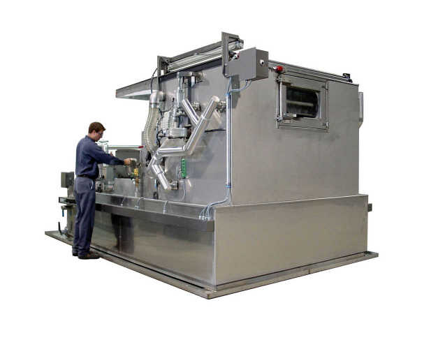 The TYPHOON®-SI+ spray-immersion parts washer produces clean and dry parts at minimal cost
